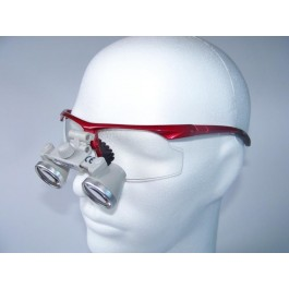 ErgonoptiX Comfort surgical mini Loupes - micro Galilean - 2.5X - sporty safety frames, red , on dummy